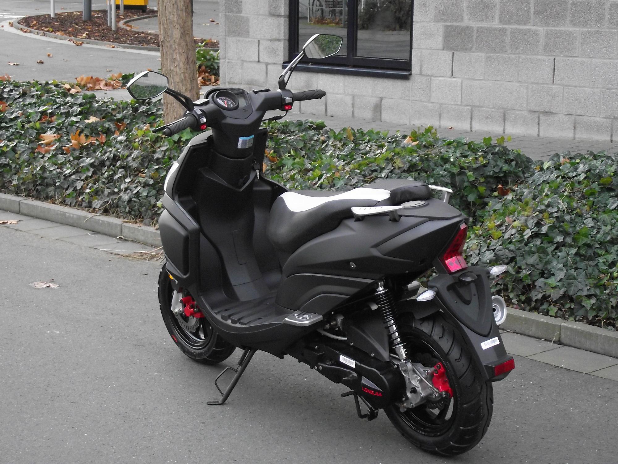 2 takt sport roller 50 ccm motorroller scooter neu ebay. Black Bedroom Furniture Sets. Home Design Ideas